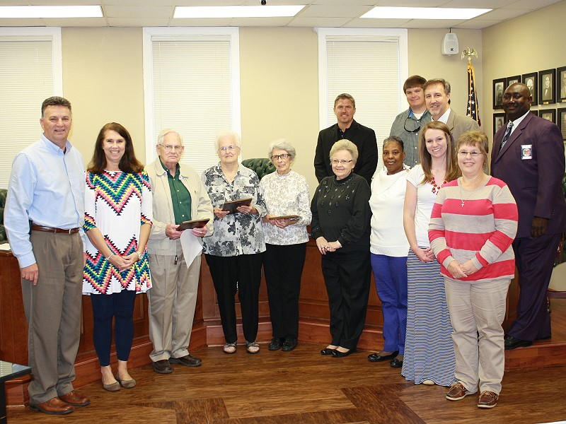Mayor and Council honors Library Board Members